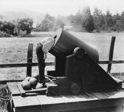Head In Cannon